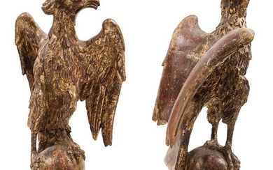 PAIR OF SIDE DECORATIONS. MEXICO, 20th Century. Carved, golden wood in the shape of eagles.