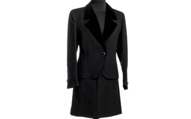 Yves Saint Laurent variation, Suit with skirt