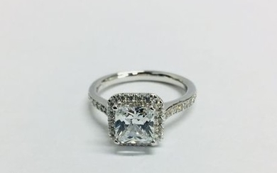 1.00CTct diamond set solitaire ring with a princess...