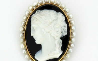 18 kt. Gold - Brooch - Pearls