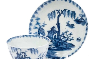 18th century Lowestoft blue and white porcelain tea bowl and saucer, with chinoiserie pattern