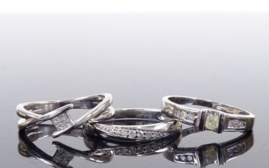 3 9ct white gold diamond dress rings, sizes L and M, 6.8g to...