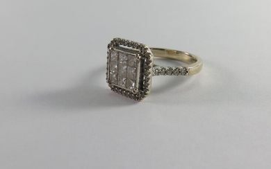 A DIAMOND SQUARE CLUSTER RING