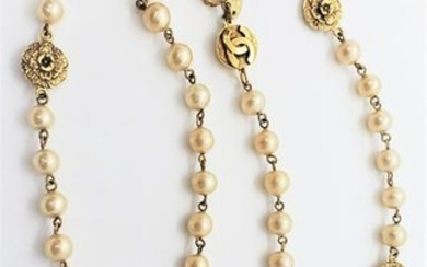 Auth Vintage classic Chanel Long Pearl Necklace