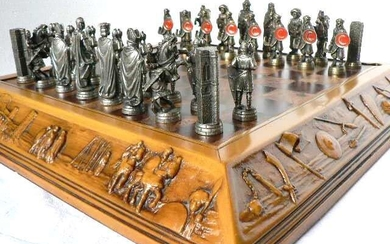 """Chess """"The Cid Champion"""" Christians vs Arabs. - Alloy, Bronze (gilt/silvered/patinated/cold painted)"""
