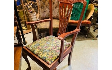 Chippendale style rope edged mahogany ext. table with 6 chai...