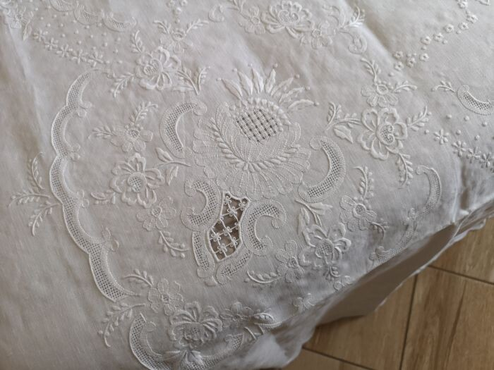 Embroidered linen cover Punto Principessa by hand - 240 x 280 cm - Linen - 21st century