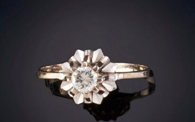 SMALL SOLITAIRE OF 0.17 CT APPROX. Antique saddle in 18k white gold Departure: 300,00 Euros. (49.916 Ptas.)