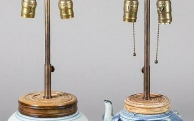Two Chinese export blue and white table lamps