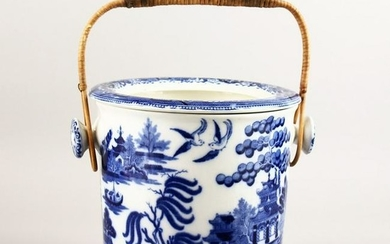 A BISTO WILLOW PATTERN DESIGN BLUE AND WHITE PAIL with