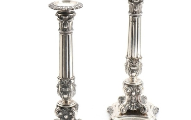A pair of 19th century silver candlesticks, decorated with acanthus, flowers and ears. 13 standard. H. 30 cm. (2)