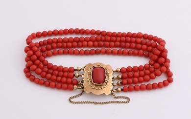Bracelet coral with yellow gold clasp with coral