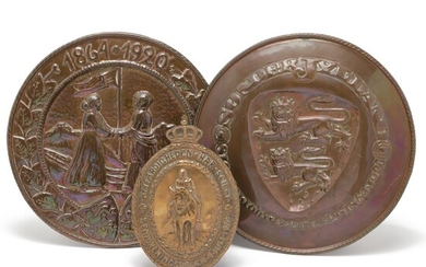 Christian X, Reunification, 2 larger plaques in brass respectively. 30 and 31 cm in diameter as well as oval brass plaque with Christian X on horseback