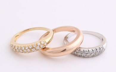 Gold rings, a white gold and yellow gold ring, 750/000