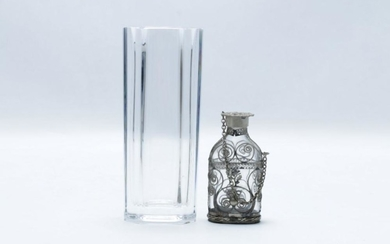Kosta Boda Vase (H17cm) together with a Silverplated Snuff Bottle