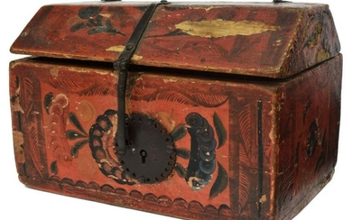 OLINALA, MEXICO HAND-PAINTED LAQUERED RED BOX