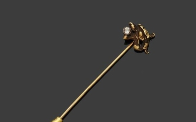 Yellow gold tie pin, 18k 750‰, representing a...