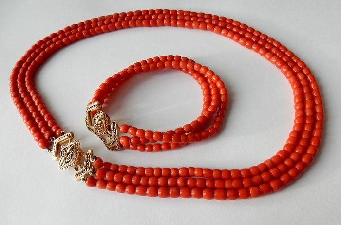 14 kt. Gold - Set of necklace and bracelet of red coral