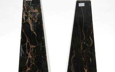 A PAIR OF LARGE 1920S FRENCH CARRERA MARBLE OBLISQUES H.52CM & 47CM