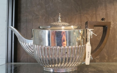 A silver tea pot, gadrooned decoration, W Hutton & Sons Ltd,...