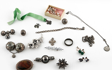 Collection of jewelry Samling smycken