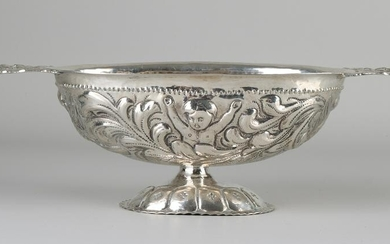 Frisian silver brandy bowl decorated with acanthus leaf