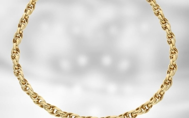 Necklace: high-quality decorative yellow gold chain, 18K gold...