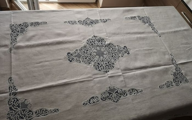Rich pure linen tablecloth with hand Cantu 'embroidery - 175 x 270 cm - Linen - 21st century