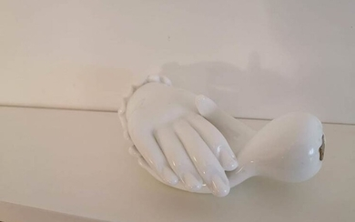 VENINI PAIR OF MILKWHITE GLASS HANDS, 1950 CA 14 cm...