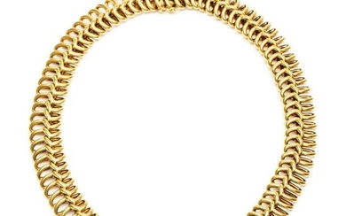 14krt. Golden choker, consisting of oval twisted links....