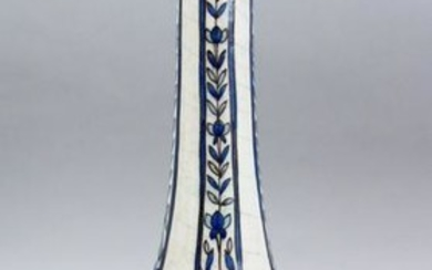 A GOOD TALL EARLY 20TH CENTURY QAJAR POTTERY VASE