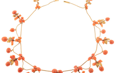 A Victorian Coral Collar Swag Necklace in 20K