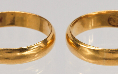 (Lot of 2) 22k yellow gold rings