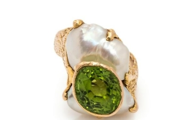 PERIDOT AND CULTURED PEARL RING