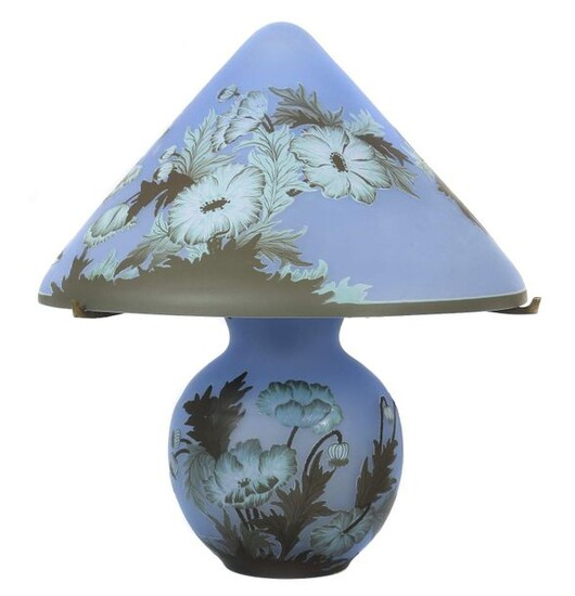 Table lamp Wohl Épinay-sur-Seine Verreries Schneider, 20th century (produced until 1983, from 1957 in Loiret), glass/metal, colourless glass with azure blue powder fusions, triple layered in brown, green and white, etched decoration of blossoms, buds...
