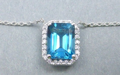 14 kt. White gold - Necklace with pendant - 2.07 ct Topaz - Diamonds