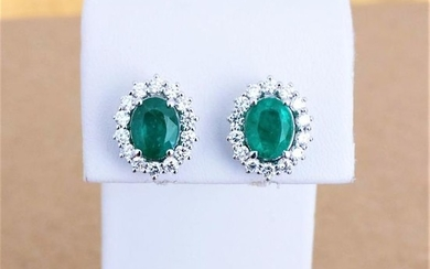 18 kt. White gold - Earrings - 3.01 ct Emerald - Diamond