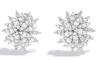 DIAMOND CLUSTER EARRINGS in 18ct white gold, jewelled