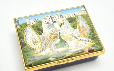 A BOXED ROYAL CROWN DERBY HALCYON DAYS ENAMEL PILL BOX 'GOVIERS DOVES'