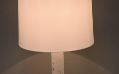 A DECO STYLE MARBLE COLUMNAR LAMP WITH SHADE (73H X 36D CM)