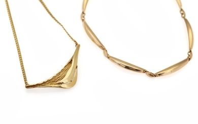 SOLD. A jewellery set of 14k gold comprising a necklace and a bracelet. L. app....