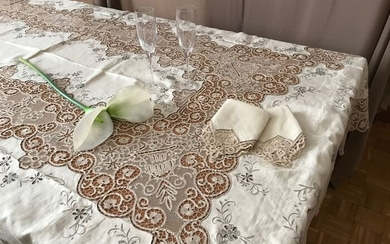 ANCIENT hand-embroidered tablecloth with Cantù lace and English stitch (13) - Linen - 1940-60