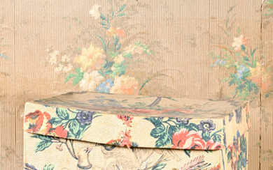 Cardboard box covered with wallpaper, Louis XVI period