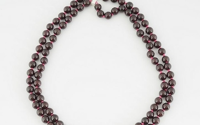 DOUBLE-STRUNG BEADED NECKLACE