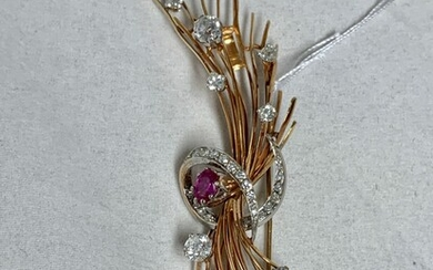 Gold brooch 18K art deco