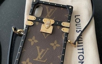 Louis Vuitton - Eye Trunk with strap iphone X/ XS Phone cover