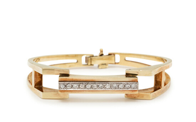YELLOW GOLD AND DIAMOND BANGLE BRACELET