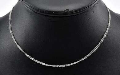 A FINE TRACE CHAIN BY TIFFANY & CO IN 18CT WHITE GOLD, TOTAL LENGTH 760MM, TOTAL WEIGHT 2.5GMS