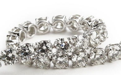 A diamond bracelet set with numerous brilliant-cut diamonds weighing app. 13.54 ct., mounted in 18k white gold. F-G/VVS. Triple excellent cut. 2018.