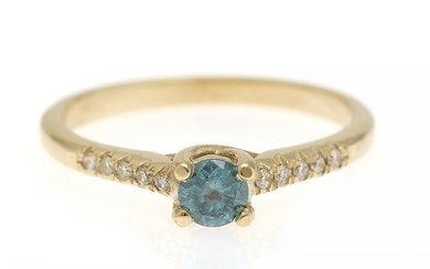A diamond ring set with a brilliant-cut blue diamond flanked by numerous brilliant-cut diamonds totalling app. 0.36 ct., mounted in 14k gold. Size 53.